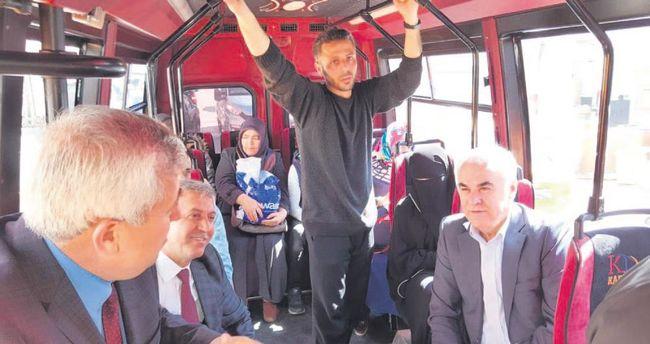 Ceylan minibüste yeni sistemi anlattı