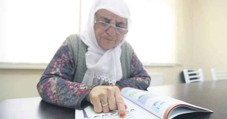 Fatma teyze artık okuyor