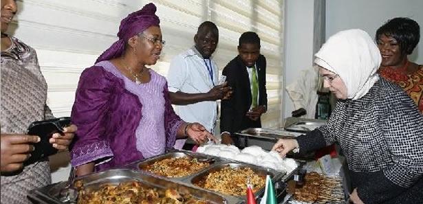 Hamamönü'ndeki ''Afrika Pazarı'' Açıldı