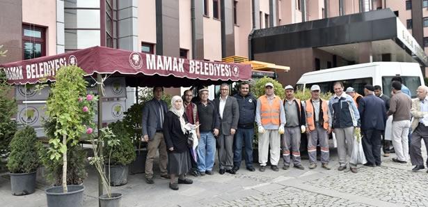 Mamak'ta Vatandaşa 10 Bin Fidan Dağıtıldı