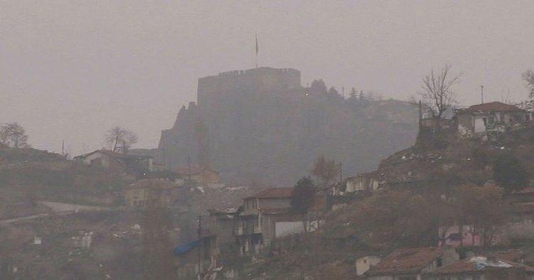 Ankara yoğun sise teslim oldu