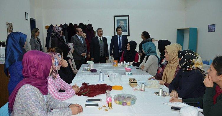 Başkan Çetin, hanım evlerini ziyaret etti