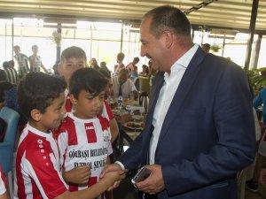 Gölbaşı Belediye Spor Kulubü tarafından organize edinen Futbol Şenliği'ne minik futbolcularda katıldı
