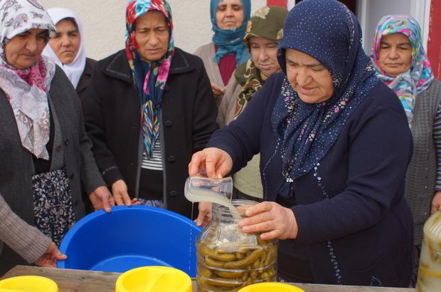 'Annelerden' Sınırda Görevli Askerlere Turşu