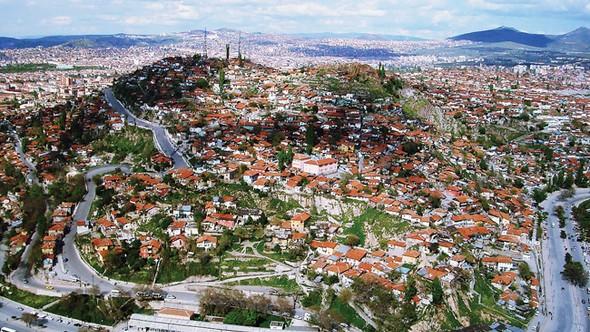 'İçi beton dışı ahşap Ankara evleri'